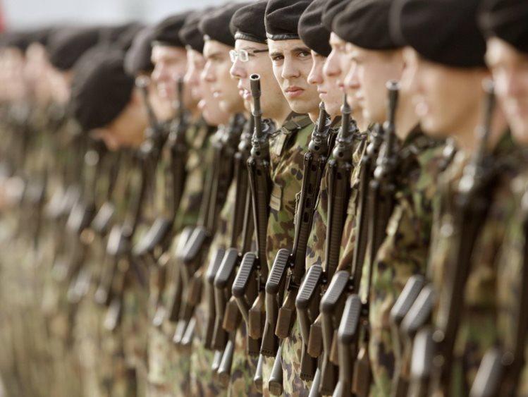 MPF notifica Forças Armadas para que recrutem transexuais