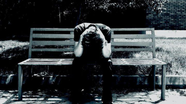 Trauma após aborto em homens
