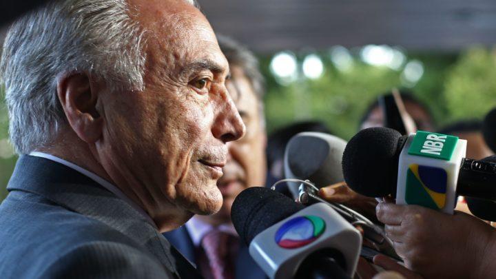 Duas leis em tramitação podem centralizar a educação brasileira sob moldes marxistas