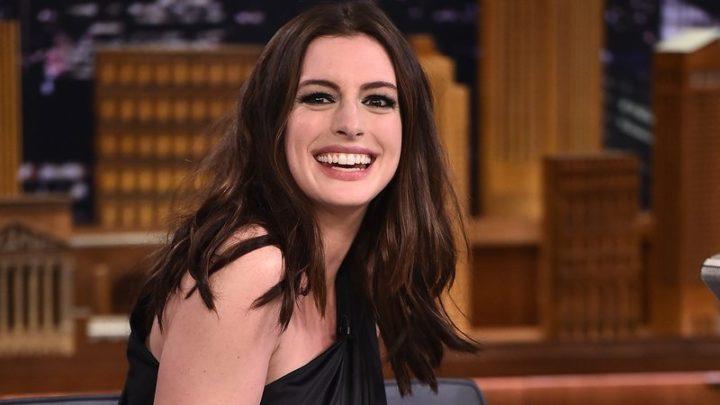 """""""Vamos destruir este mundo e construir um melhor"""", diz atriz sobre heterossexualismo e pessoas brancas"""