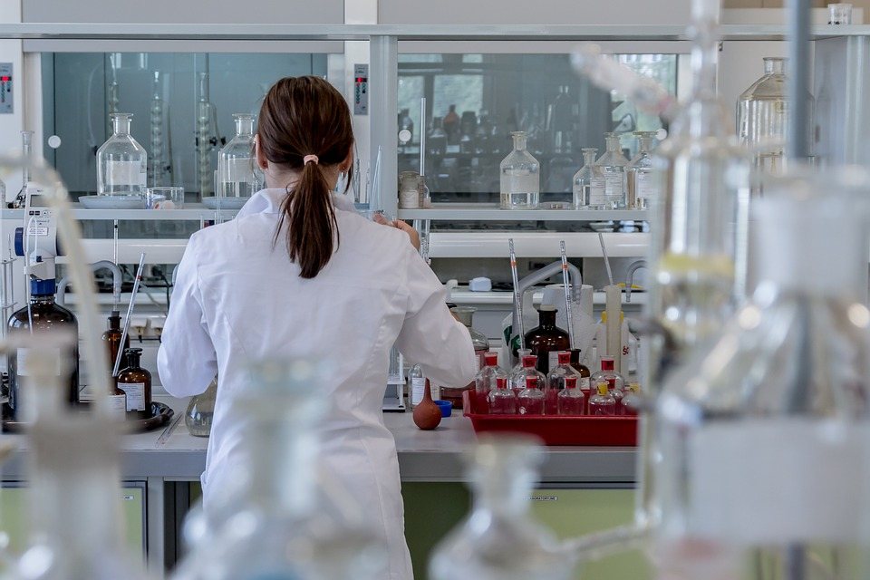 conflito-ideologico-na-pesquisa-cientifica