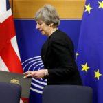 Brexit: Parlamento aprova extensão do prazo das negociações e rejeita novo referendo