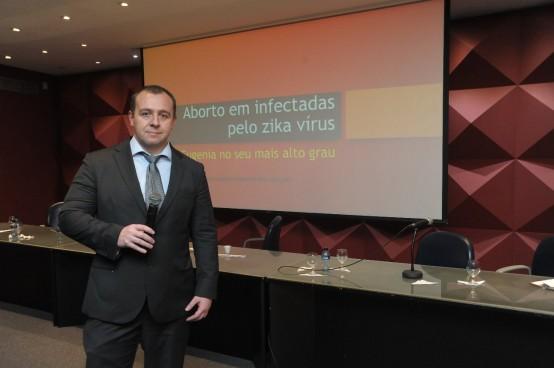 Testes para o zika são inconclusivos para aborto, diz Câmara