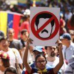 Venezuela: mais de 70 veículos de mídia fechados, segundo entidade jornalística