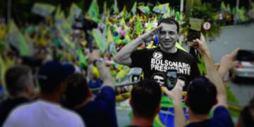 """Carlos Moisés, o """"Comandante Moisés"""", em evento de campanha, em Joinvile, 2018. """"O candidato de Bolsonaro""""."""